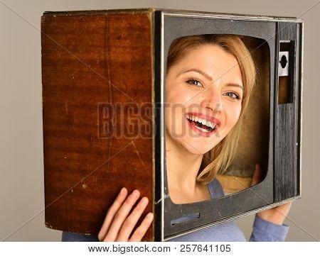 Tv Reporter. Happy Woman Tv Reporter With Retro Set. Tv Reporter Smiling From Screen. Tv Reporter Ma