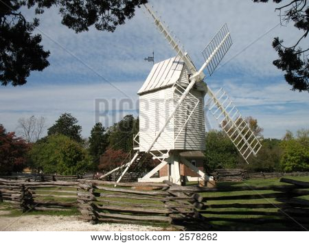 Williamsburgwindmill