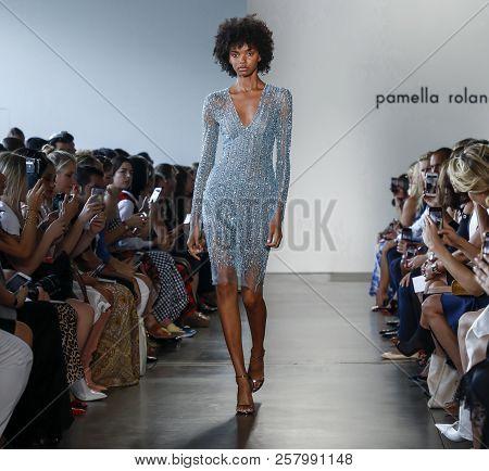 Pamella Roland Ss 2019