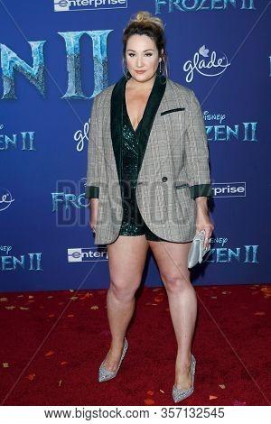 LOS ANGELES - NOV 7:  Emma Hunton at the