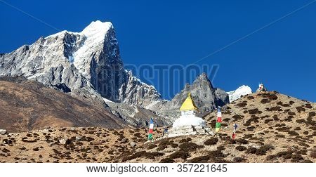 Tabuche Peak And Stupa On The Way To Everest Base Camp Near Pangboche Village, Everest Area, Nepal H