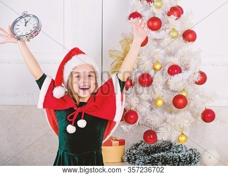 Last Minute New Years Eve Plans That Are Actually Lot Of Fun. New Year Countdown. Girl Kid Santa Hat