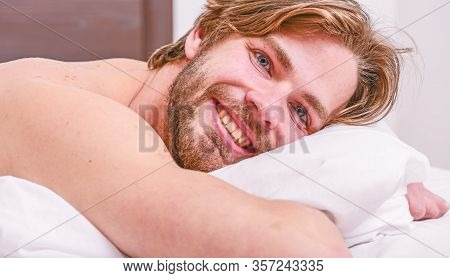 Tips On How To Wake Up Feeling Fresh And Energetic. Morning Routine Tips To Feel Good All Day. Man H