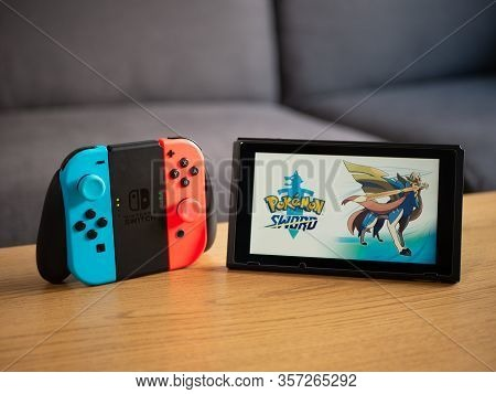 Uk, March 2020: Nintendo Switch Pokemon Sword And Shield Game At Home