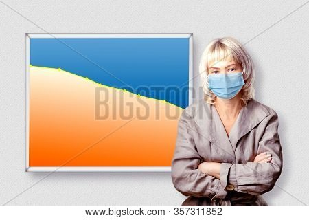 Market Decline Due To The Pandemic Virus. Businesswoman Showing Graph In Decline Of The Economy Or S