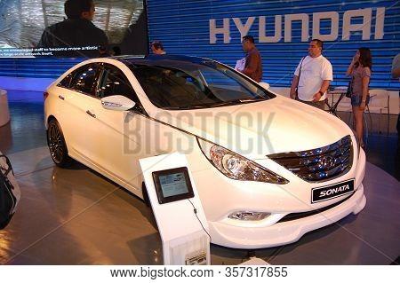 Pasay, Ph - Apr. 1: Hyundai Sonata At 8th Manila International Auto Show On April 1, 2012 In World T