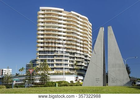 Coolangatta, Australia: June 25, 2016: Queensland And New South Wales State Border, Geographical Mar
