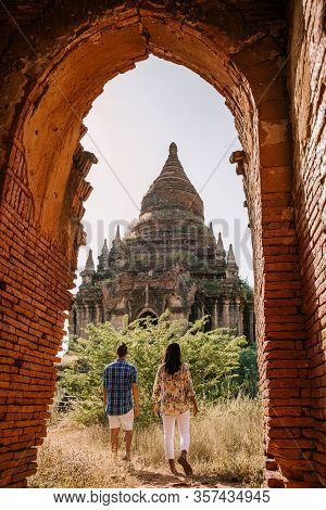Myanmar, Couple Sunrise Bagan, Men Woman Sunset Bagan .old City Of Bagan Myanmar, Pagan Burma Asia O
