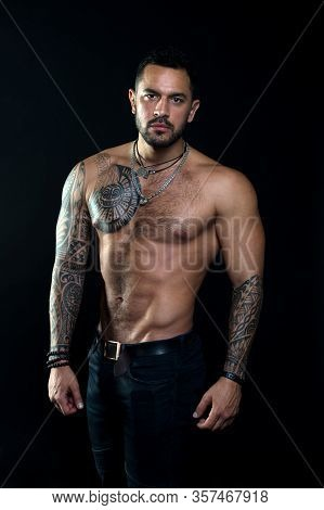 Macho Sexy Bare Torso. Fit Model With Tattoo Art Skin. Sportsman Or Athlete With Beard And Hair. Spo