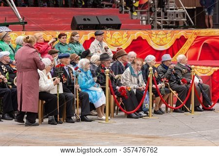 Anapa, Russia - May 9, 2019: Anapa Veterans At The May 9 Victory Parade On The Theater Square In Ana