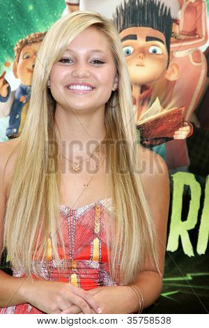 LOS ANGELES - AUG 5:  Olivia Holt arrives at the