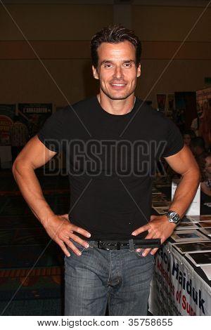 LOS ANGELES - AUG 4:  Antonio Sabato Jr appearing at the