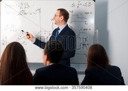 2016.01.17 Business School Training In The Samara State University. People And Education. Teacher Sh