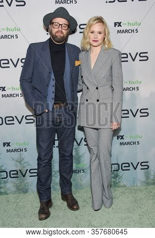 LOS ANGELES - MAR 02:  Joshua Leonard and Alison Pill Joshua Leonard and Alison Pill arrives for FX's Limited Series 'Devs' Los Angeles Premiere on March 02, 2020 in Hollywood, CA