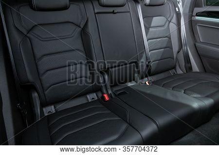 Volkswagen Touareg - Black Textile  Interior Design, Car Passenger And Driver Seats With Seats Belt.