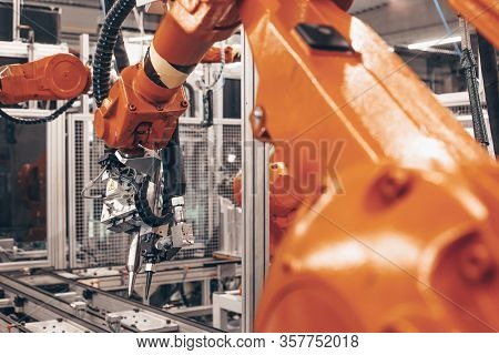 Stopped Automatic Arm Robots In Automotive Industry, The Global Economic Crisis In Industry, Industr