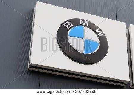 Bordeaux , Aquitaine / France - 10 14 2019 : Bmw Dealership Sign Logo Car Automobile Luxury Automake
