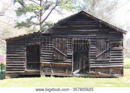 Old Abandoned Southern Style Farm Barn Sunny Shadows