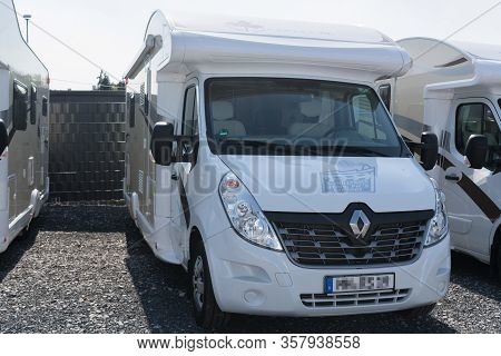 Muelheim Ruhr; Nrw; Germany -august  29; 2017: Motorhomes And Campers For Sale Or Rent. Concept Free