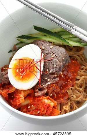 bibim naengmyeon, korean cold noodles poster