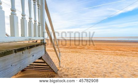 Beach Hut Horizon
