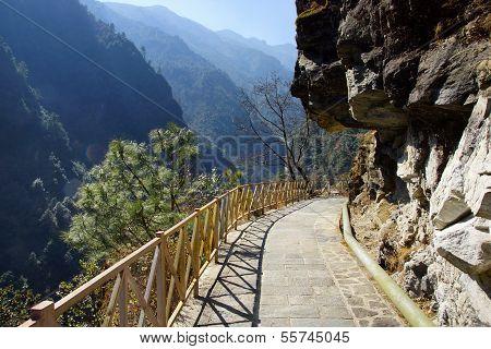 Trekking in Cangshan mountains near Dali, Yunnan province, China