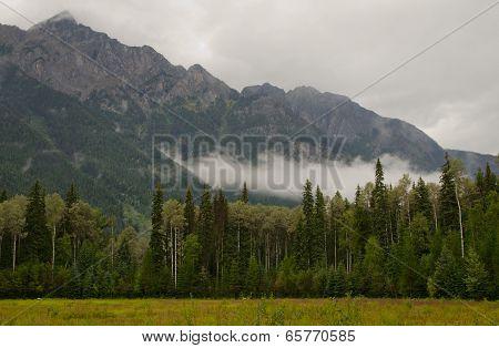 Cinnamon Peak (2732 M)