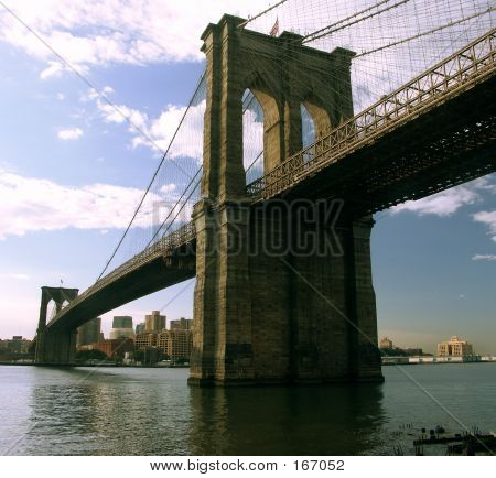Brooklyn Bridge. Sunrise.