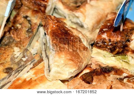 Pastry filled with ham cheese and mushrooms