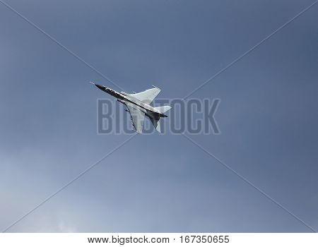 Fighter performs a turn before the attack on the target