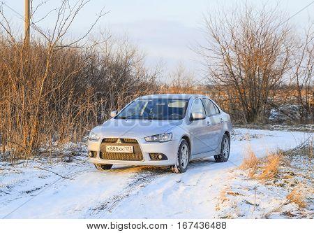 Fall Asleep Wet Snow Car. Snowfall Of Wet Snow. Snow Lying On The Car