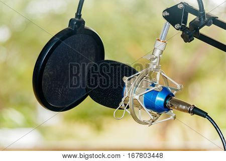 Professional condenser studio microphone Musical Concept  .