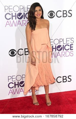 LOS ANGELES - JAN 18:  Priyanka Chopra at the People's Choice Awards 2017 at Microsoft Theater on January 18, 2017 in Los Angeles, CA