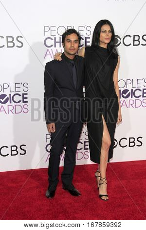 LOS ANGELES - JAN 18:  Kunal Nayyar, Neha Kapur at the People's Choice Awards 2017 at Microsoft Theater on January 18, 2017 in Los Angeles, CA