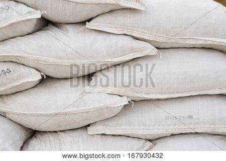 White Sand Bags On The Basis Of An Open Construction