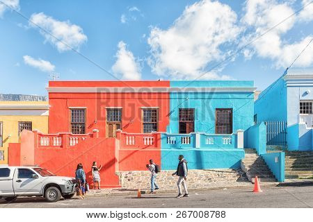 Cape Town, South Africa, August 17, 2018: Multi-colored Houses In The Bo-kaap In Cape Town In The We