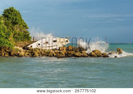 Sailboat Was Destroyed And Abandoned On The Shore After A Hurricane - The Gosier In Guadeloupe, Cari