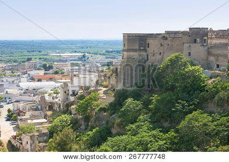 Massafra, Apulia, Italy - Visiting The Gigantic Stronghold Of Massafra