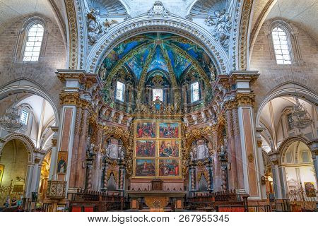 Valencia, Spain - Octuber 14, 2016: The Altarpiece Of The Resurreccion Chapel Of The Cathedral