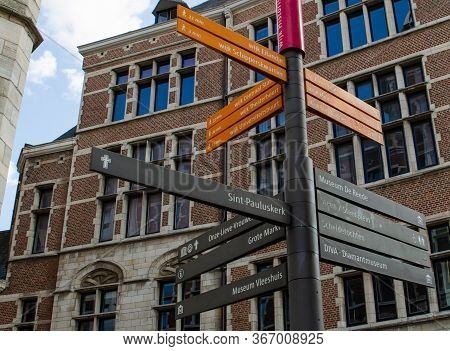 Antwerp, Flanders, Belgium. August 2019. Indicator Signs Of The Main Points Of Tourist Interest: Mus