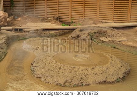 Kamado Jigoku Pond Beppu , Focus To Circle Bubbles Forming In Yellow Mud The Pond In Kamado Jigoku O