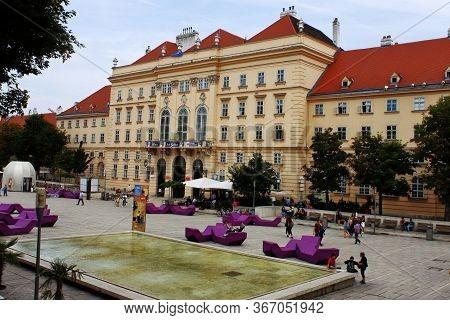 Museum Quarter, Wien, Austria - Aug 2019: Center Square Contenitor For Modern Art Museums Like Leopo