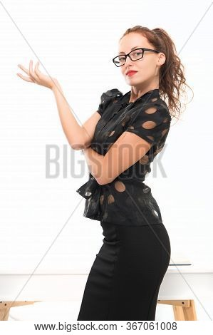 Imagine That You Can Be What You Want. Business Lady. Business Startup. Smart In New Sexy. Ambitious
