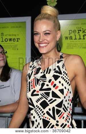 LOS ANGELES - SEP 10:  Peta Murgatroyd arrives at