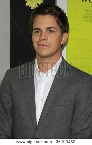 LOS ANGELES - SEP 10:  Johnny Simmons arrives at