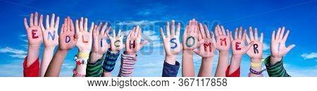 Children Hands, Endlich Sommer Means Finally Summer, Blue Sky