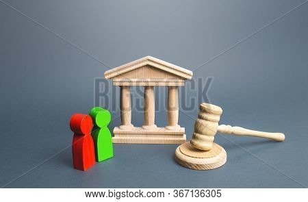Courthouse And Two Opponents. Conflict Resolution, Justice And Rule Of Law. Protection Of Rights, Bu