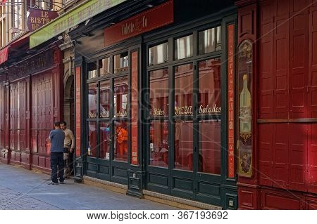 Lyon, France, May 20, 2020 : Closed Touristic Restaurants In City Center. Confinement Of The Populat