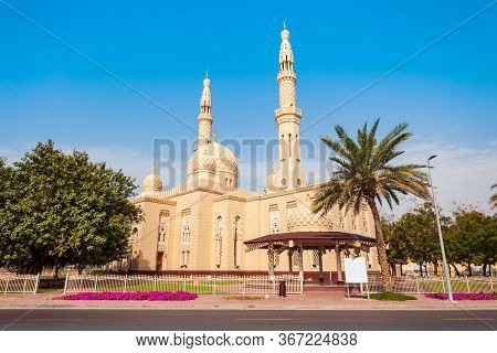 Jumeirah Mosque Is A Main Mosque In Dubai City In Uae