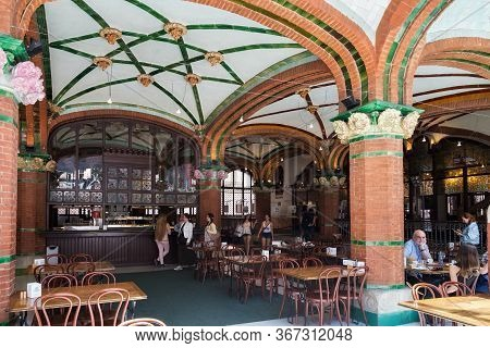 Barcelona, Spain - May 15, 2017: Street Cafe In The Palace Of Catalan Music (the Palau De La Musica